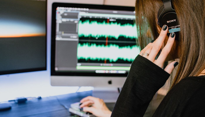 audio transcription how to make an extra 1000 a month